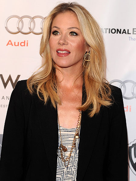 applegate personals Christina applegate (born november 25, 1971) is an american actress and dancer as an adolescent actress, she started playing the role of kelly bundy on the fox sitcom married with children (1987–1997.