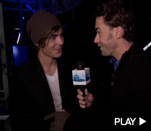 Zac Efron backstage at 'American Idol'
