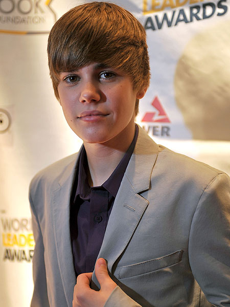 Justin Bieber Represents Power Of Youth Extratv Com