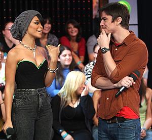 Rihanna @ TRL: Photo 654051 | Josh Hartnett, Rihanna, TRL ... |Rihanna Josh Hartnett