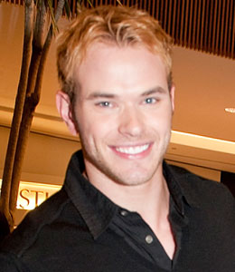Kellan Lutz tells a story about being confront by a fan while he was naked