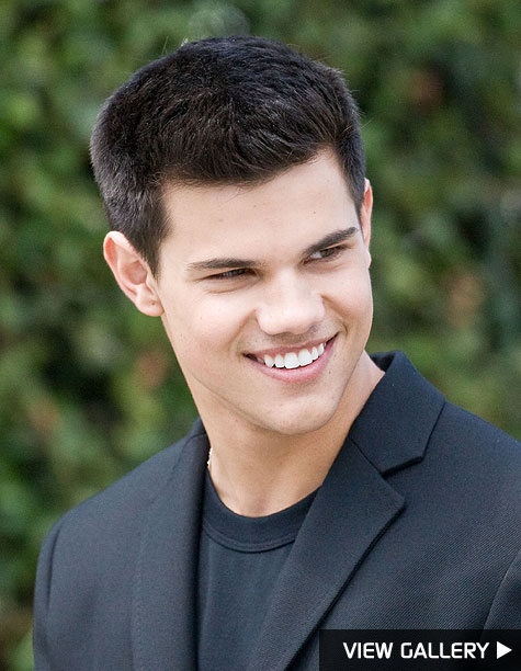 taylor lautner's sexy photo shoot