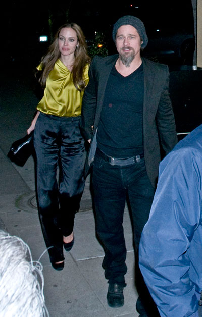 Brad Pitt and Angelina Jolie dine at La Dolce Vita