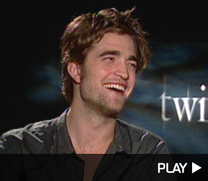 Does robert pattison wash his hair